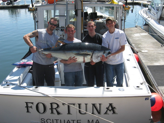 Giant Tuna Fishing Charters aboard Fortuna